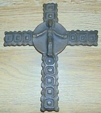 Kreuz Kruzifix  Bronze  Darstellung des Altarkreuzes Hl. Geist Kirche Iserlohn