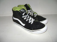 4bc7722cac3 VANS OFF THE WALL YOUTH KIDS BOYS SKATEBOARD SHOES SNEAKERS Size 2.5 BLACK  WHITE