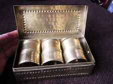 GENUINE VINTAGE HAND HAMMERED BRASS SET OF 6 NAPKIN RINGS IN MATCHING BOX