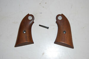 Vintage First Generation  Old Model RUGER BEARCAT Walnut Grips NICE
