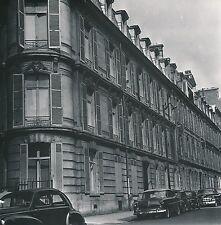 PARIS c. 1955 - Autos Immeubles Haussmanniens  rue Marignan - DIV 9592
