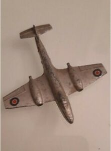 Avion Gloster Meteor Dinky Toy