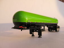 Dcp 1/64 Scale Anhydrous Tank Trailer Lime Green And Black (Bottle)