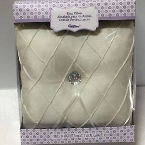 NIB Wilton Ivory Quilted Design Wedding Ring Bearer's Pillow