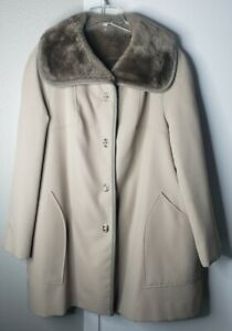 Vintage Country Pacer Fur Lined Coat By Dillards Tan L