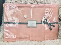 Williams Sonoma Hemstitched 100% Linen Placemats - Light Pink - New in Package