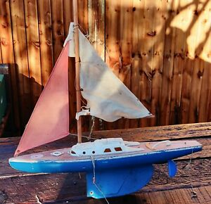 Vintage Pond Yacht - Blue hull With Rigging
