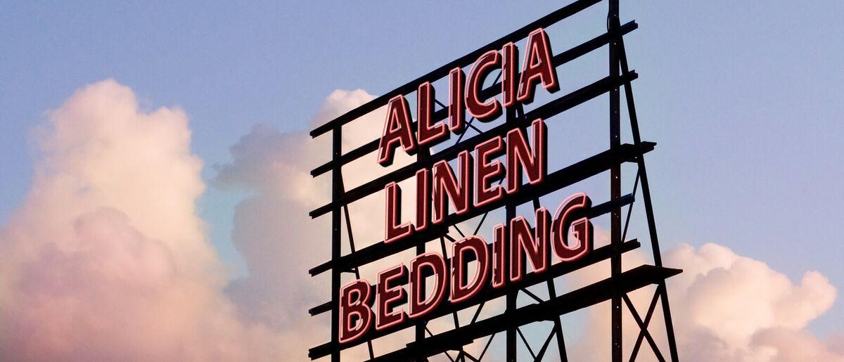 Alicia Linen.Bedding