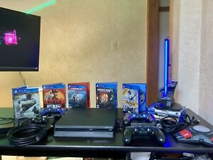 🔥Sony PlayStation 4 Slim Bundle🔥 TONS OF EXTRAS