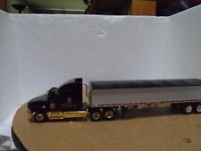Ho scale very nice grain truck/trailer with lights