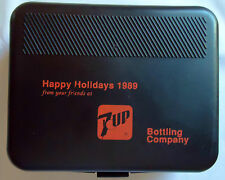 "VINTAGE 7UP BOTTLING COMPANY ""HAPPY HOLIDAYS 1989"" GROOMING KIT UN-USED"