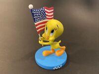 2000 Danbury Mint Goebel Tweety Bird July Perpetual Calendar Figurine