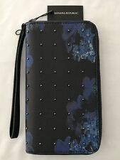 BANANA REPUBLIC Zip Clutch Wallet Floral Navy/Black PVC Leather