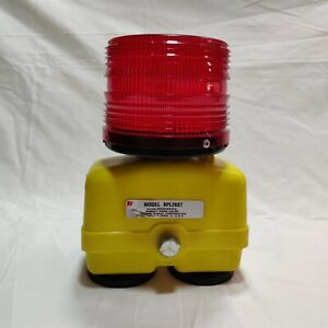 Federal Signal BPL26ST Battery Powered Strobe Warning Light. RED