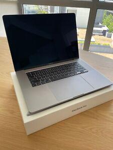 "Apple MacBook Pro 16"" (2TB SSD, i9 2.40 GHz, 32GB Ram, AMD 5500M 8GB )"