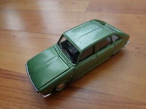 1/43 CORGI SOLIDO CLASSIC MET. GREEN RENAULT R16 DIECAST MODEL CAR