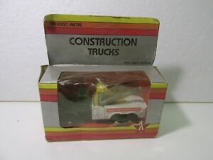 Vintage Heavy Duty Recovery Pull Back Action Construction Truck Diecast dc2984