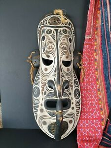 Old Papua New Guinea Sepik River Carved Wooden Mask …beautiful collection & disp