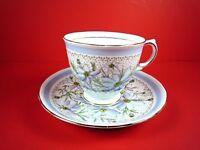 VINTAGE TUSCAN FINE ENGLISH BONE CHINA BLUE DAISY'S TEA CUP & SAUCER SET