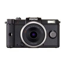 Near Mint! Pentax Q with 8.5mm f/1.9 Black  - 1 year warranty