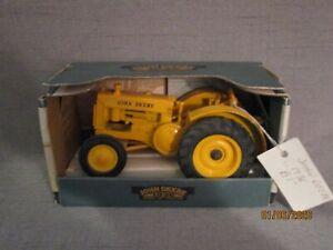 """John Deere 1936 Model """"B1"""" Tractor 1/16 scale - (TT-C4)"""