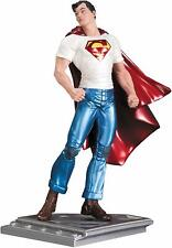DC Collectibles - Superman Man of Steel by Rags Morales Statue