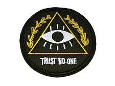 Patch TRUST NO ONE Aufnäher Bügelbild Allsehendes Auge