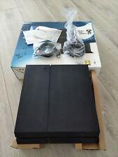 Sony PlayStation 4 Modell-500GB  Jet Black Spielekonsole  CUH-1216A