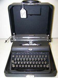 Antique 1939 Royal Arrow Vintage Typewriter #C-895830