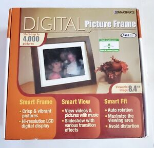 "SmartParts Digital Picture Frame - 4000 Pics - 8.4"" Display - 1GB memory 800x600"