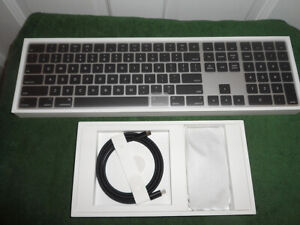 NEW sealed MacPro exclusive Silver&Black Apple Magic Keyboard and Mouse KIT