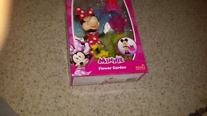 Disney Junior  Minnie Flower Garden   action figure