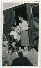 PHOTO ANCIENNE - VINTAGE SNAPSHOT - CHIEN FOURGON OMBRE - DOG TRUCK SHADOW