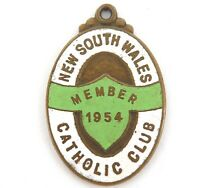 .SCARCE 1954 NEW SOUTH WALES CATHOLIC CLUB MEMBERS BADGE / FOB.