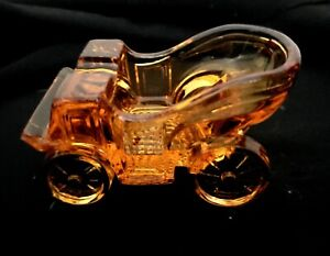 """LG Wright Clear Amber Glass Horseless Carriage Ashtray Car 3 1/2"""" Long x 2"""" Tall"""