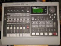 Roland VS-840EX Digital 8-Track Studio Workstation Mixer Recorder w/ 7 zip disc