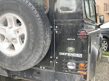 Landrover Defender y Kit de protección de luz posterior serie