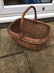 Vintage Wicker Basket With Handle. 39 x 32 x 19cm. Lovely Sturdy Basket VGC.
