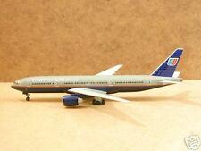 "United Airlines B777-200 ""ETOPS"" (N772U), 1:400"