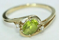 Vintage Estate 0.76 ctw Oval Natural Green Peridot Solid 10K Gold Ring Size 6.5