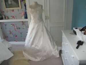 Romantica blush pink wedding gown size 12. long train.