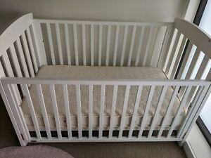 BOORI Urbane white Cot & mattress