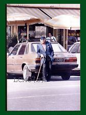FOTOGRAFIA PHOTO NAPOLI 1980 LAVORO E SOPRAVVIVENZA IL PARCHEGGIATORE PENSIONATO