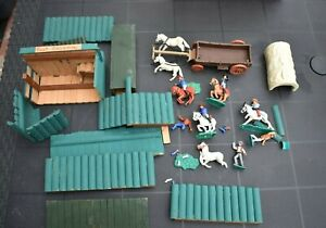 Timpo Toys Western Konvolut Cowboys & Indianer Planwagen Holzfort