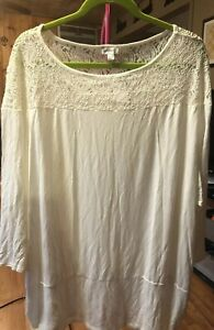 Nwt Avenue Ivory Lace Top 26/28 torrid
