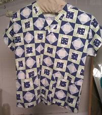 patchwork quilt motif print Scrub Top sz medium ? tag missing