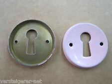 Altes Schlüsselschild rund rosa 50er Jahre, Schlüssellochblende, Möbelbeschlag.