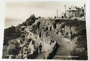 Postcard - Zig-Zag Path, Folkstone. G.117 Printed in England Real Photograph