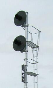 HO Scale GRS Pole Mount Searchlight Signal LED Light Capable Kit (2326-Pole)