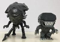 """Funko Pop! Alien / Aliens Lot Of 2 Pre Owned 8-Bit & 6"""" Tall Xenomorph Sci Fi"""